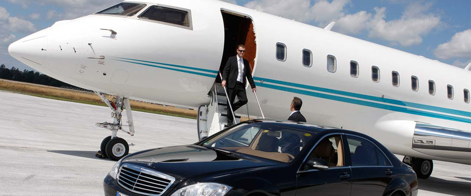 Hiring an Airport Limo Transportation Service in Temecula